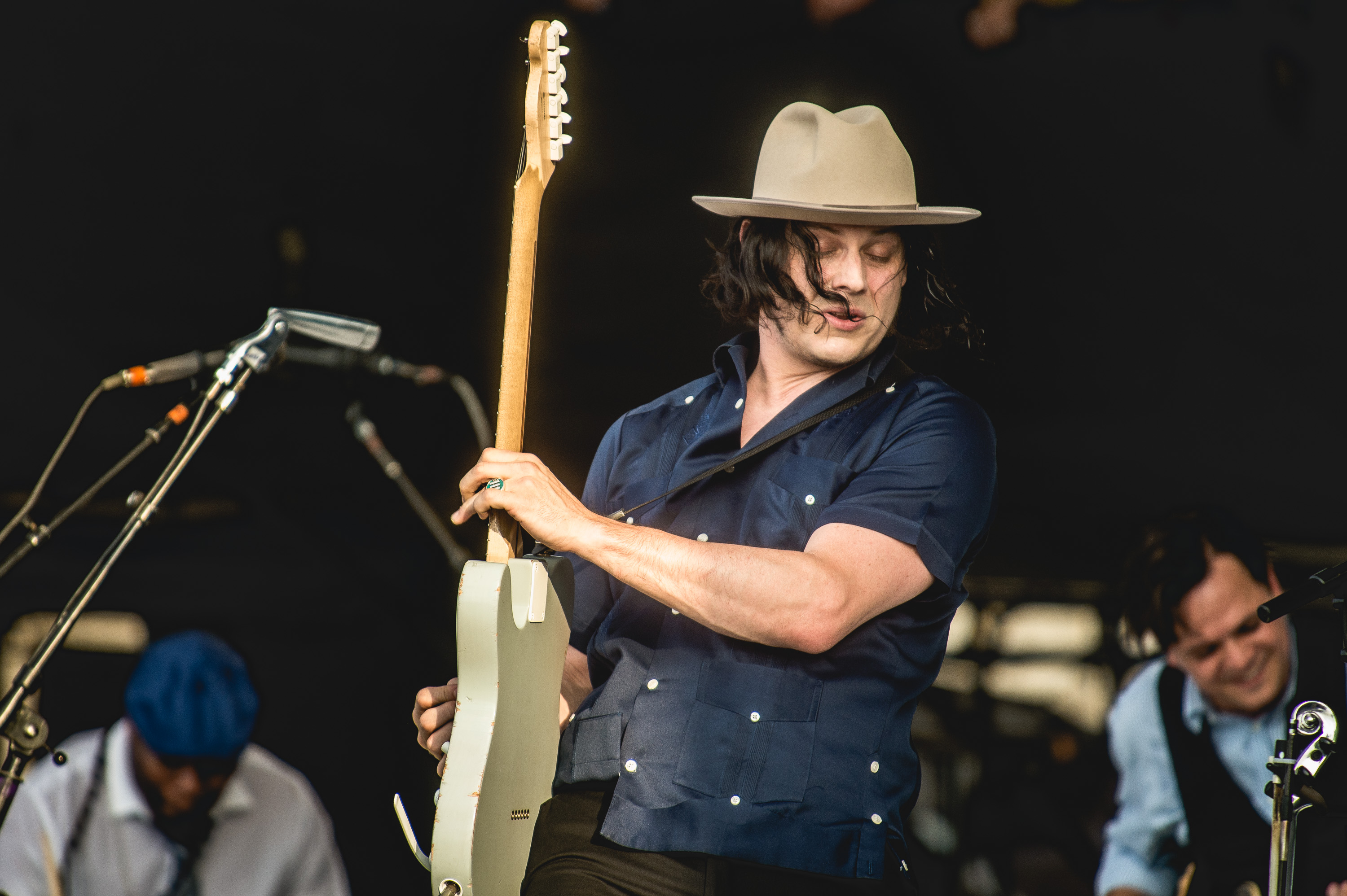 Jack White performs at the 2014 Newport Folk Festival-2