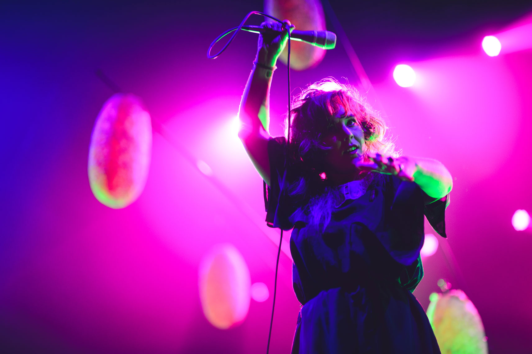 Purity-Ring-performs-at-the-2013-Mountain-Oasis-Electronic-Music-Summit-5