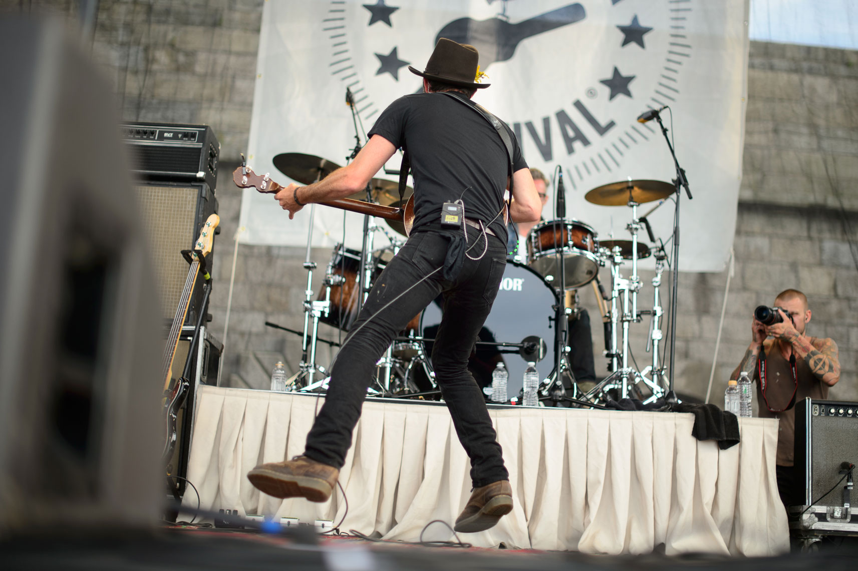 The-Avett-Brothers-performs-at-the-2013-Newport-Folk-Festival-2